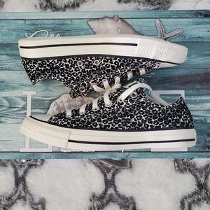 Converse womens leopard 🐆